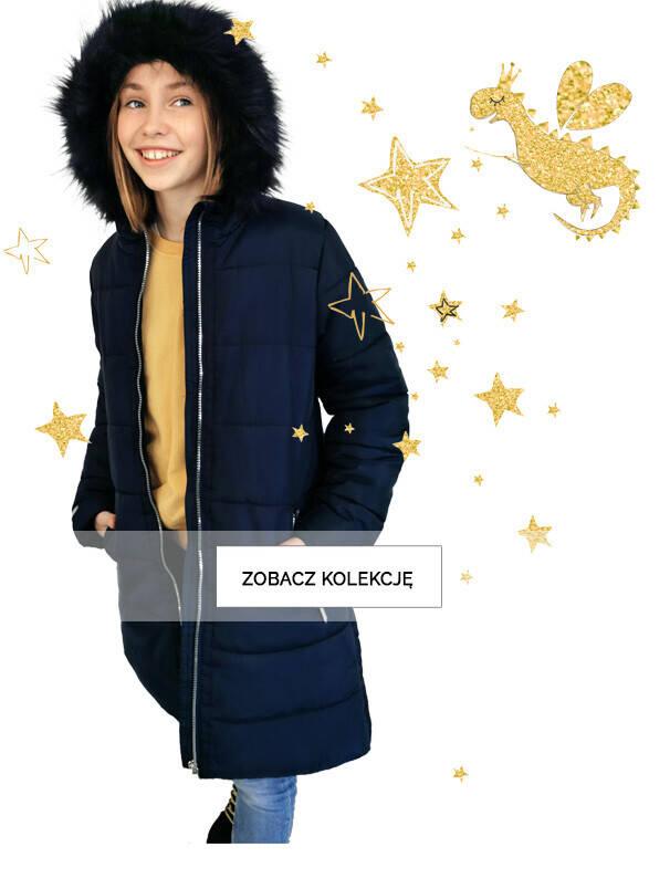 Baner z dziewczynką w granatowej kurtce zimowej.