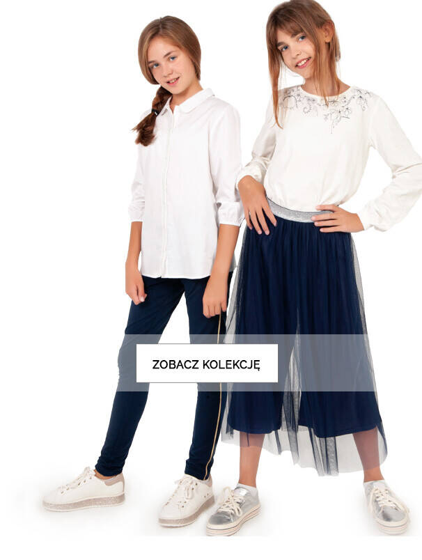 Baner z dziewczynkami w galowych ubraniach.