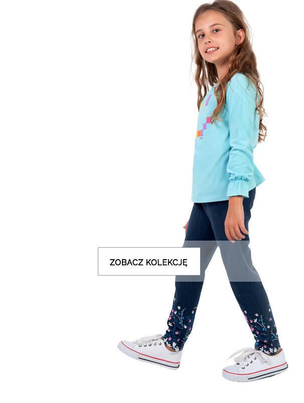 Dziewczynka w granatowych legginasach na banerze listingowym.
