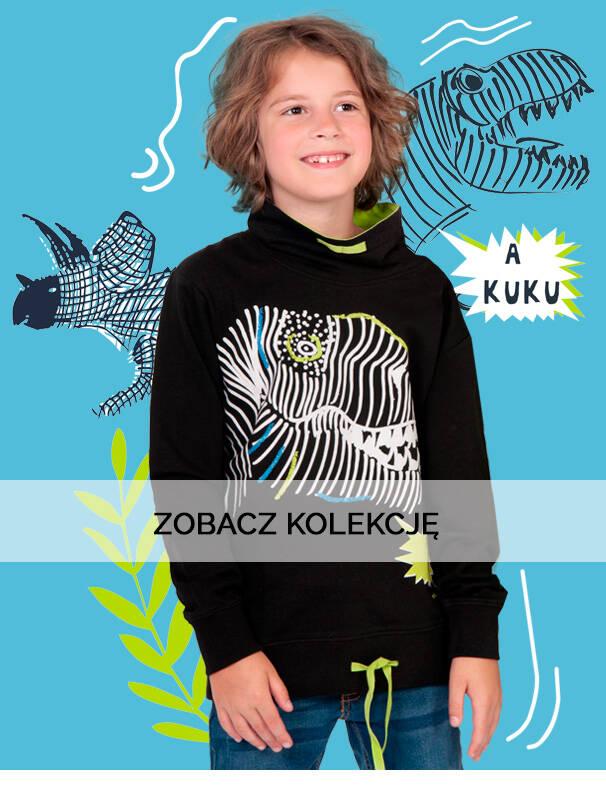 Baner z chłopcem w nierozpinanej, granatowej bluzie.
