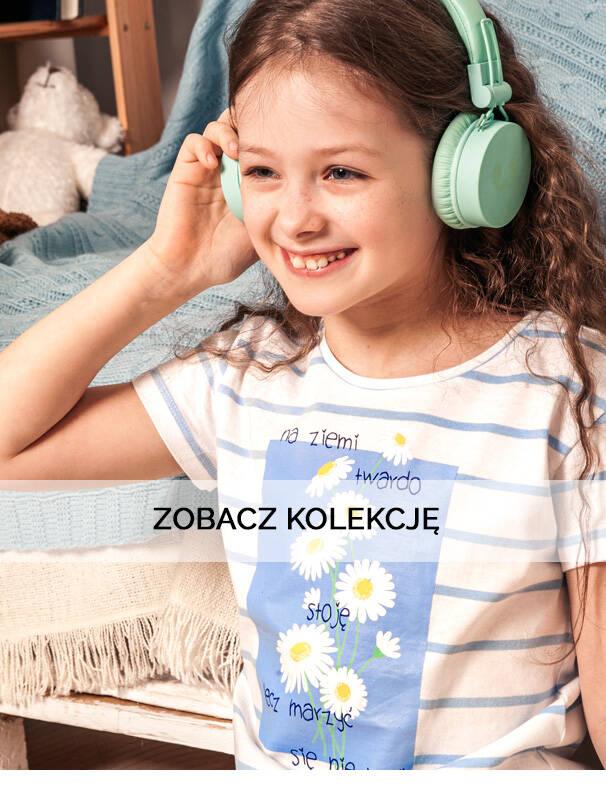Baner z dziewczynką w jasnej koszulce.