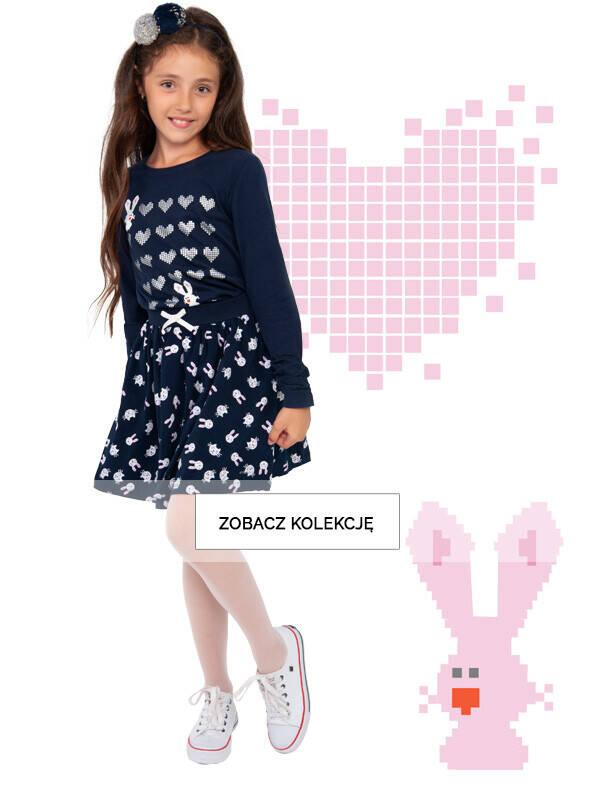 Baner z dziewczynką w granatowej stylizacji.