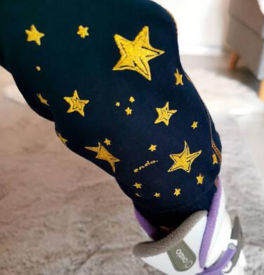 Endo - Spodnie dresowe dla dziewczynki, w gwiazdki, granatowe, 2-8 lat D04K053_1 3