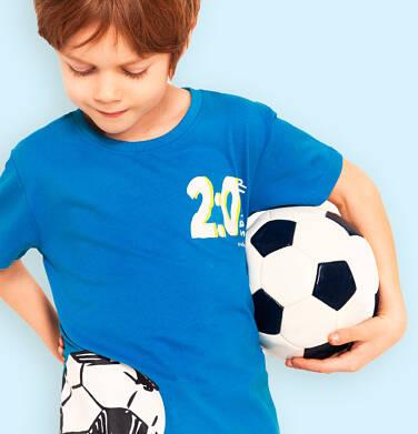 T-shirt z krótkim rękawem dla chłopca, z motywem piłkarskim, niebieski, 2-8 lat C05G060_1
