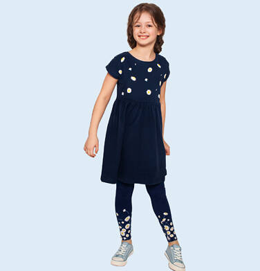 Endo - Dżersejowa sukienka z krótkim rękawem, granatowa w stokrotki, 9-13 lat D05H005_1,2